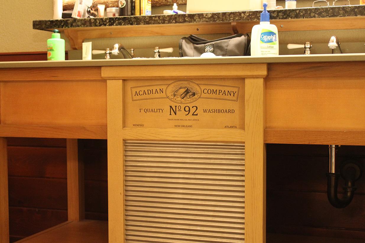 A washboard decorating the washbasins