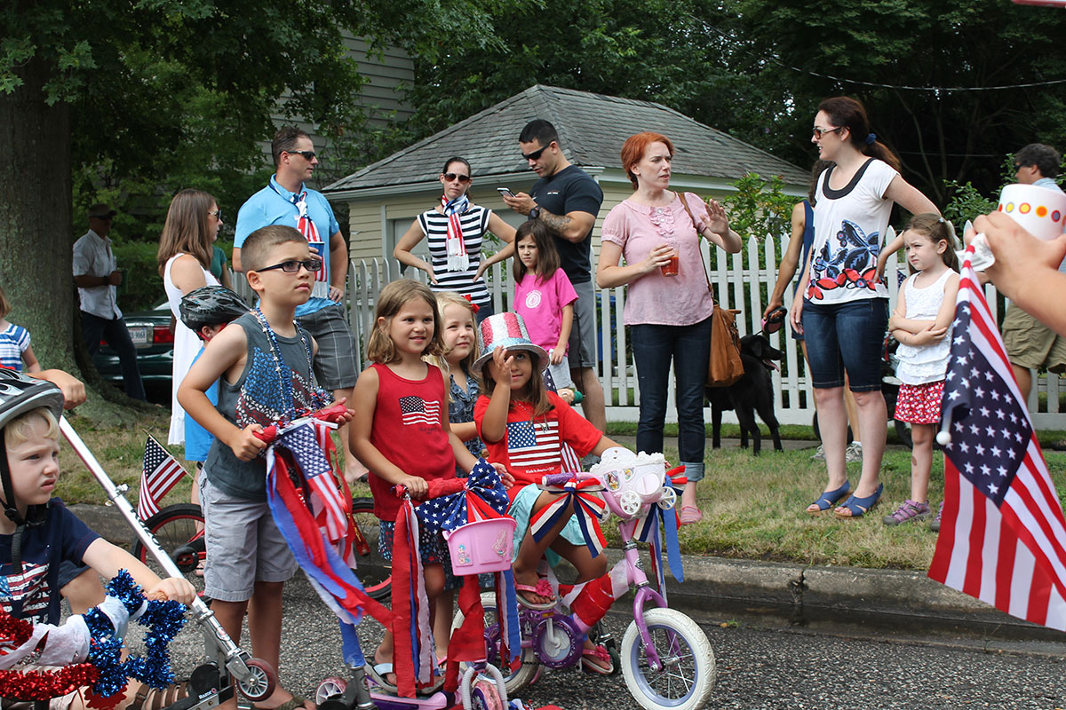 20150704_HiltonVillageParade_09